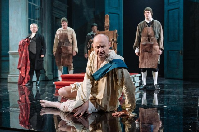 The National Theatre's production of The Madness of George III. Photo by Manuel Harlan.