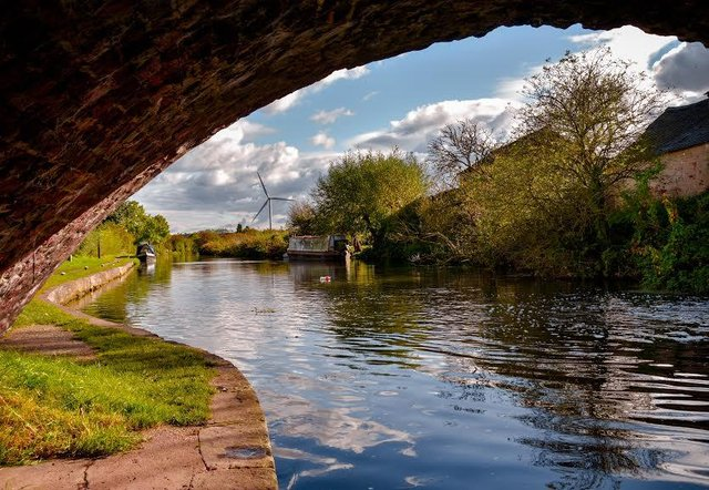 A body was found close to a path on the Erewash canal.