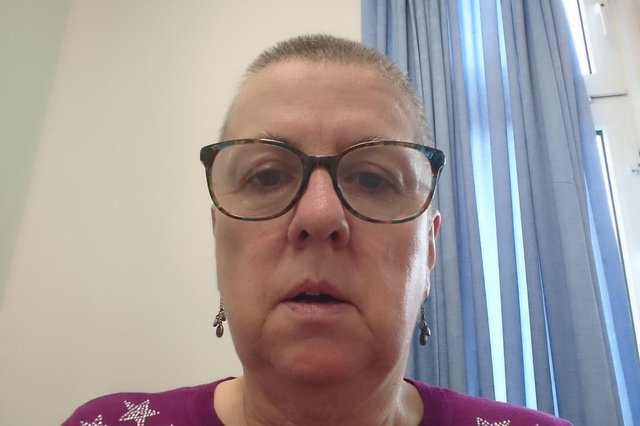 Fiona Hawksley-Cartwright has shaved her hair in aid of The Stroke Association after suffering a brain aneurysm aged 58