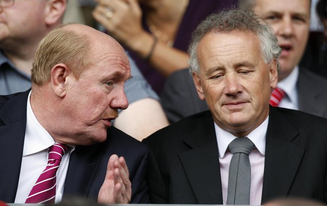 Rick Parry, right, has outlined what the next 12 months could look like for the EFL. (Photo: PAUL ELLIS/AFP via Getty Images)