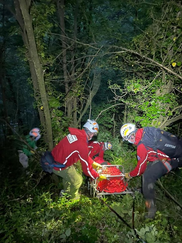 Pictures by Edale Mountain Rescue Team of the incident at Stoney West