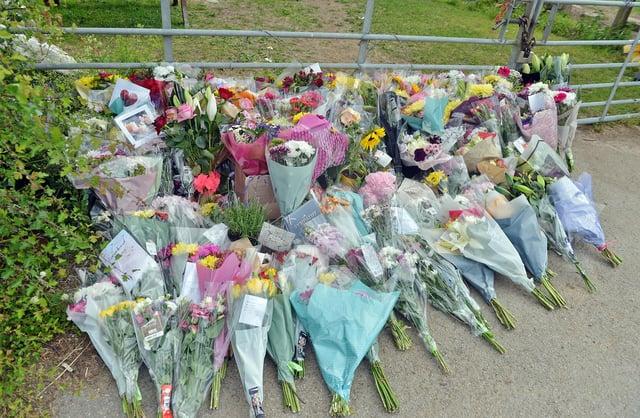 Tributes at Tom Lane, Duckmanton.