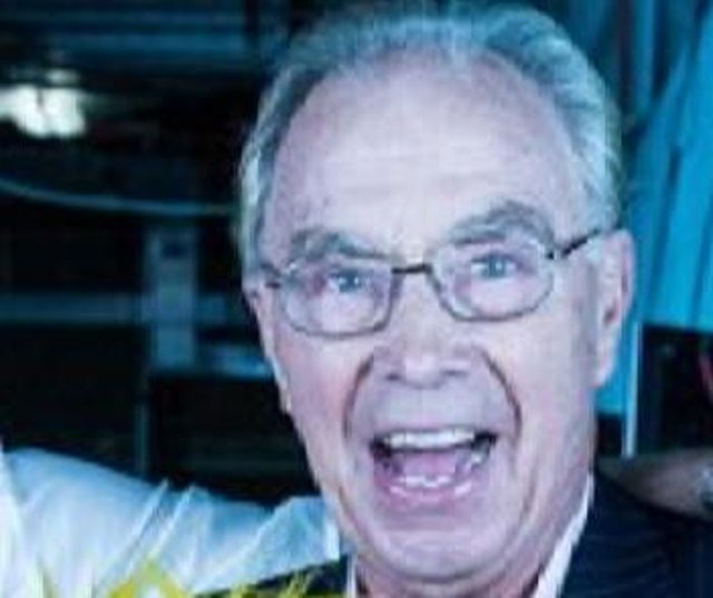 Bernie Clifton will host an online comedy quiz for charity on April 29, 2021.