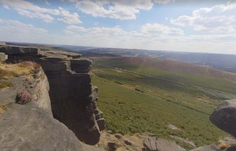 Stanage Edge is one of the most popular walks in the Peak District. The trail is 13.8 kilometres and located near Stoney Middleton.