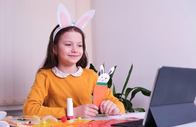 Children can create Easter bunnies with help for artist Lucie Maycock. Photo by Shutterstock.