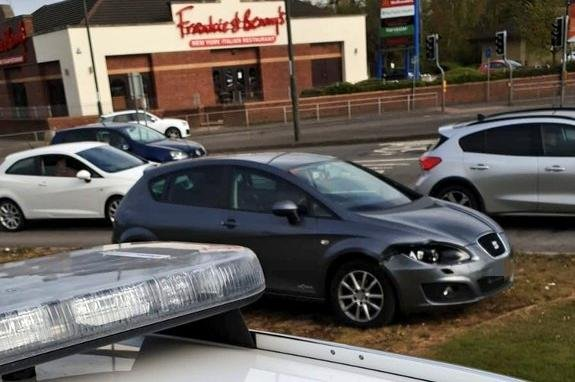 The Seat Leon at Horns Bridge roundabout in Chesterfield. Image: Derbyshire RPU via Twitter.