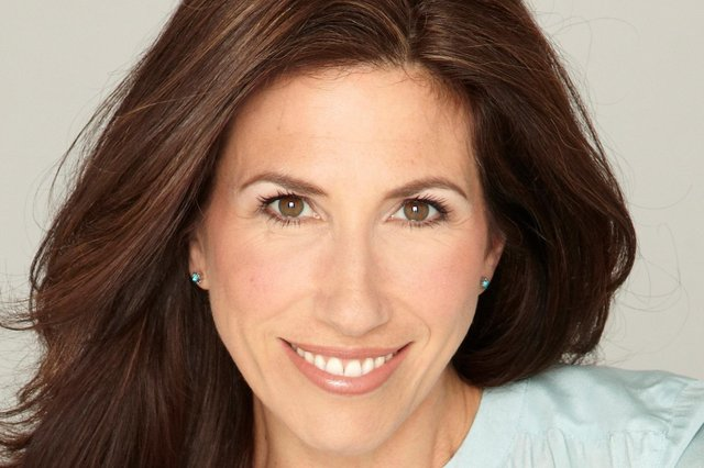 Gaynor Faye has been signed up for Looking Good Dead which will tour to Sheffield and Nottingham this summer.