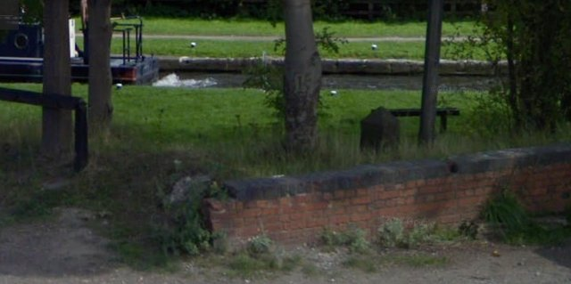 A section of the Erewash Canal towpath near Hallam Fields Road