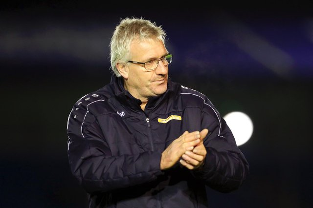 Tim Flowers has left Barnet by mutual consent.