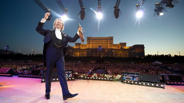 André Rieu istars n Together Again film. Photo by Andre Rieu Productions/Marcel van Hoorn