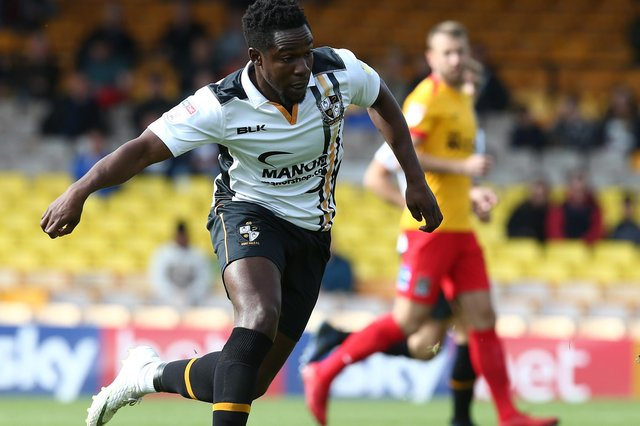 Manny Oyeleke has signed for Chesterfield from Port Vale.
