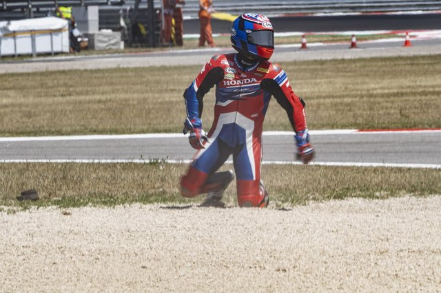 Leon Haslam crashes out during the WorldSBK Race 2 in Misano Adriatico, Italy. (Photo by Mirco Lazzari gp/Getty Images)