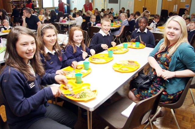 Who can you spot in these reto snaps of school dinners?