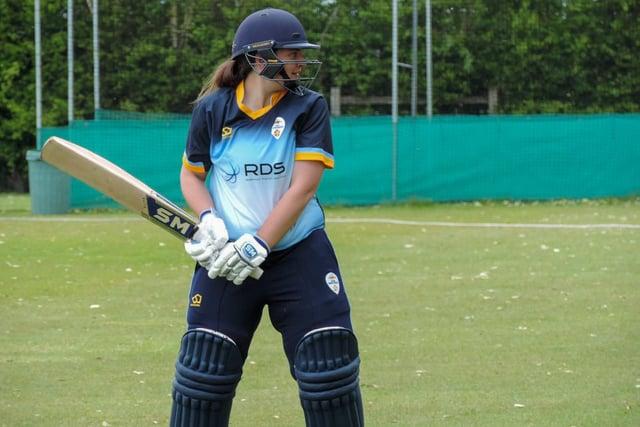 Lauren Tuffrey in action for Derbyshire.