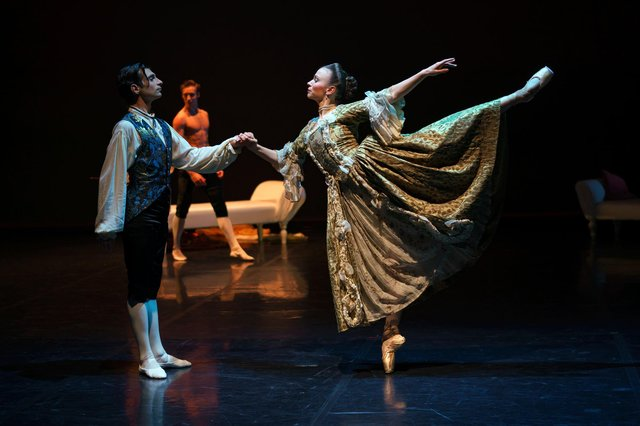 Filippo Di Vilio as Danceny and Abigail Prudames as the Marquise in Dangerous Liaisons.