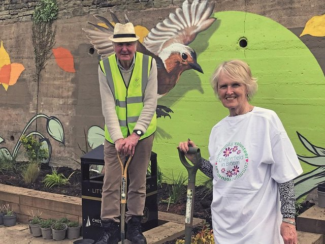 Cllr Jill Mannion-Brunt with Chris Turner, Chair of the Chesterfield In Bloom Committee