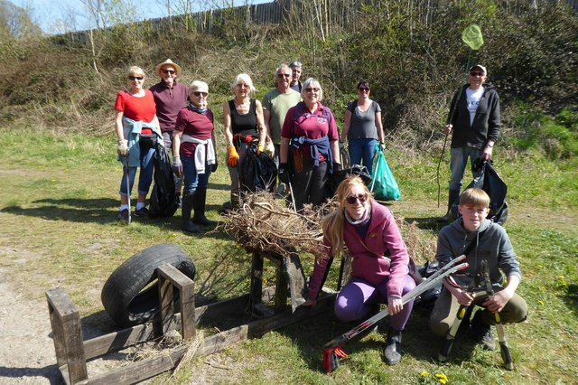 Volunteers from the Chesterfield Litter Picking Group and the Chesterfield Canal Trust, cleaned the towpath and canal above Tapton Lock over the weekend.
